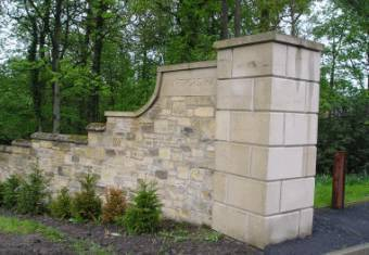 sandstone-gate-posts-1